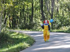 Ah, yes, send in the clown to the Ironman Wisconsin 2015 bike course. One of several creepy clowns out for a good time.