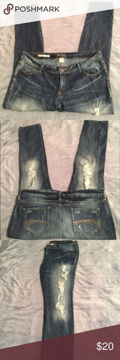 Decree distressed super skinny jeans 👖 Juniors 17 Decree distressed super skinny jeans. Rips covered only by the white denim strings of the fabric run down the front of both legs. Therefore your skin may show through slightly in those areas. Juniors size 17. Decree Jeans Skinny