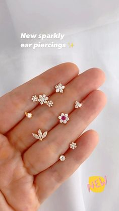 Nose Jewelry, Jewelry Design Earrings, Gold Earrings Designs, Small Earrings, Gold Stud Earrings, Baby Earrings, Earring Studs, White Earrings, Dainty Earrings