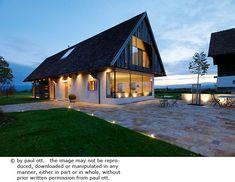 Haus P / Gangoly & Kristiner Architekten ZT GmbH - Paul Ott Pfotografiert Morton Building, House Of The Rising Sun, Farmhouse Renovation, Modern Barn, House Roof, Design Case, Home Fashion, Future House, Architecture Design