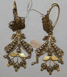 Object Name  Earrings  Date  18th century–19th century