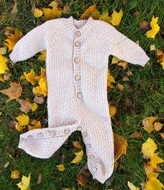 Knitting pattern from SandnesGarn lanett baby nr 0812