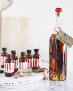 A step by step guide on how to make your own Homemade Vanilla Extract - and seriously - it couldn't be easier! Plus it doubles as a great holiday gift.