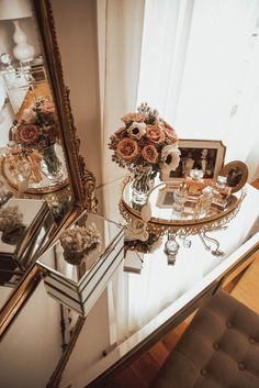 In the details: 6 places to style your home for a happy life — The Decorista - DIY Ideen Gold Aesthetic, Classy Aesthetic, Aesthetic Rooms, Home And Deco, Beauty Room, My New Room, Home Design, Interior Design, Diy Design