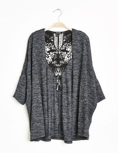 Top jeté femme, gris anthracite chiné, macramé dos, manches 3/4. Bell Sleeves, Bell Sleeve Top, Kimono Top, Tee Shirts, Women, Fashion, Gray, Boutique Online Shopping, Woman Clothing