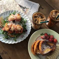 Find images and videos about pretty, food and breakfast on We Heart It - the app to get lost in what you love. Think Food, I Love Food, Good Food, Yummy Food, Tasty, Food Goals, Cafe Food, Aesthetic Food, Aesthetic Coffee