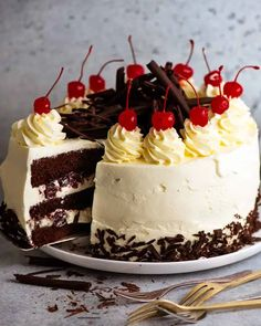 Close up of a slice of Black Forest Cake ready to be served Chocolate Sponge Cake, Chocolate Desserts, Just Desserts, Dessert Recipes, Baking Recipes, Cake Recipes, German Baking, Recipetin Eats, Recipe Tin