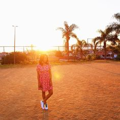 Carla Lemos, look do dia com vestido pink e tênis adidas Stan Smith #ootd vestido @dafiti e tênis @adidasbrasil ✌️✨ #style #modicesinspira