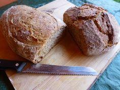 Aprendiendo a hacer pan en nuestro horno de leña.