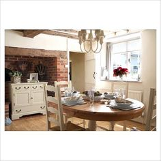 Country dining room - Image No: 0059688 - GAP Interiors - Picture library specialising in Interiors, Lifestyle Rooms & Homes Country Dining Rooms, Country Kitchen, English Cottage Style, Interior Photography, Dressers, Home Kitchens, Cosy, Seaside, Empty