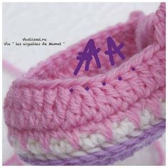 Baby booties with step by step pictures! Crochet Baby Sandals, Crochet Shoes, Crochet Slippers, Knit Crochet, Baby Slippers, Baby Socks, Baby Patterns, Crochet Patterns, Mode Crochet