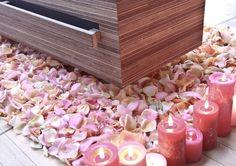 Een bed van rozenblaadjes