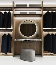 Everything in its right place: Backstage by Antonio Citterio is the most innovative and international solution to the storage problem of traditional wardrobes. Wardrobe Design Bedroom, Bedroom Wardrobe, Wardrobe Closet, Modern Bedroom Design, Wardrobe Storage, Black Wardrobe, Capsule Wardrobe, Walk In Closet Design, Closet Designs