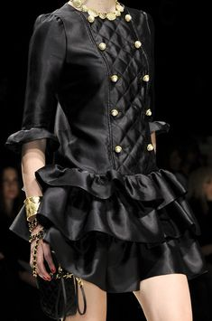 Moschino Fall 2012 - Details