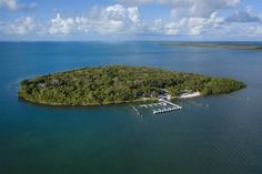 10 CANNON POINT, KEY LARGO, FL - Luxury Pulse Real Estate - United States - For sale on LuxuryPulse. Key Largo Fl, Boat Slip, Sport Fishing, Fort Lauderdale, South Beach, Luxury Real Estate, Hotels And Resorts, Real Estates, Point