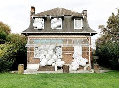 Invasion by Charles Pétillon | iGNANT.de