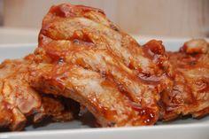 Barbecue marinade til de gode kamben er nem selv at lave, og det tager kun få minutter. Du skal blandt andet bruge brun farin, ketchup og lidt soya. Barbecue marinade (eller barbecue sauce) er dét,…
