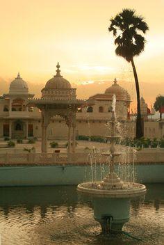 Fountain at Jag Mandir. Udaipur, Rajasthan, India