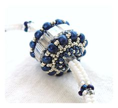 Herringbone gioielli, collana di perle da sposa, Beadwoven corda, collana di blocco di colore, bianco blu & argento, ciondolo perline Bead - venditore di Etsy UK