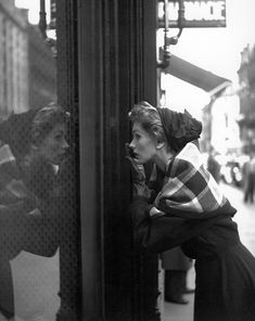 Suzy Parker in Lanvin-Castillo, photographed by Georges Dambier for ELLE, 1952. #vintage #1950s #fashion