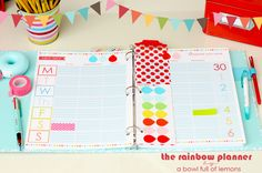 Rainbow Planner - abowlfulloflemons.com These bright and cheery pages are a perfect way to plan your week!