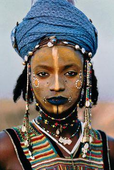 Um concurso de beleza masculina no deserto do Sahara - IdeaFixa