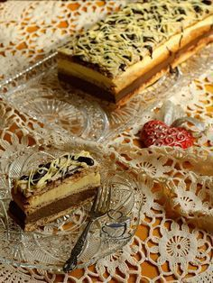 La Ancuţa: Prajitura cu ciocolata si vanilie Romanian Desserts, Something Sweet, Caramel, Chicken Recipes, Yummy Food, Delicious Recipes, Sweet Treats, Cheesecake, Deserts