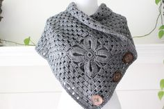 Crocheted Gray Color Scarf Shawl Poncho van MadeByFlower op Etsy