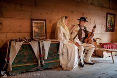 Wedding photography session in regional costumes / Plener ślubny w strojach regionalnych.