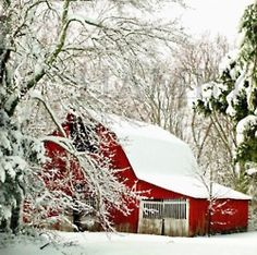Snowy red barn I love old barns, Wooden barns! Snow Scenes, Winter Scenes, Images Murales, Mill Farm, Country Barns, Country Life, Country Living, Country Houses, Into The West