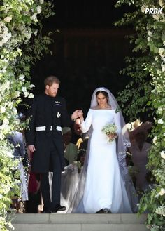 Prince Harry-Meghan Markle Royal Wedding Day at St. George's Chapel, Windsor Castle So today, May 2018 at noon local time, was Prince Harry-Meghan Prince Harry Et Meghan, Meghan Markle Prince Harry, Princess Meghan, Harry And Meghan Wedding, Harry Wedding, Wedding Day, Wedding Ceremony, Wedding Favours, Fantasy Wedding