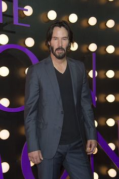 Keanu Reeves Photos - Actor Keanu Reeves attends the Neon Demon Premiere, in Hollywood, California, on June 14, 2016. / AFP / VALERIE MACON - Premiere of Amazon's 'The Neon Demon' - Arrivals