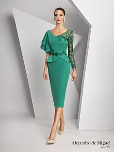 Chic Outfits, Dress Outfits, Fashion Outfits, Latest African Fashion Dresses, Classy Dress, Elegant Dresses, Dress Patterns, Designer Dresses, Lace Dress