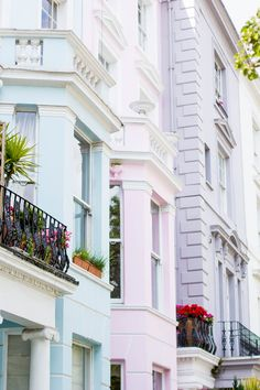 Travel Inspiration : London : Pastel townhomes of Notting Hill. Oh The Places You'll Go, Places To Travel, Places To Visit, Notting Hill London, London Pubs, London Calling, London Travel, Travel Inspiration, Wanderlust
