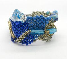 Vintage Glass Bead Bracelet Artisan Hand by LeesVintageJewels