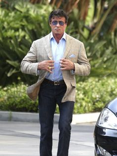 sylvester stallone Sylvester Stallone, Hollywood Actresses, Actors & Actresses, Arnold Schwarzenegger Bodybuilding, Stallone Rocky, Scott Mccall, Rocky Balboa, Gq Style, The Expendables