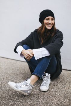 After spotting a pair of glittery high top sneakers, I was sold on the finding a pair for myself. Check out the Gold Goose pair I can't stop wearing. Casual Outfits, Cute Outfits, Best Walking Shoes, Black High Tops, Rainy Days, Casual Looks, Me Too Shoes, High Top Sneakers, Autumn Fashion