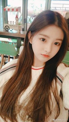 Latest Asian Woman Long Hairstyle Trends for Winter – Trendy Fashion Ideas Korean Girl Photo, Cute Korean Girl, Cute Asian Girls, Beautiful Asian Girls, Cute Girls, Korean Beauty Girls, Asian Beauty, Kpop Girl Groups, Kpop Girls