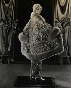 bb9856602b8 Splendid coat 1920s  fashion  vintage  style 1930s Fashion