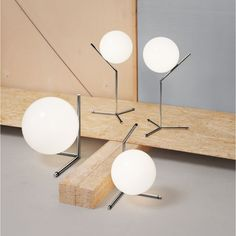 IC T1 HIGH TABLE LIGHT by Flos