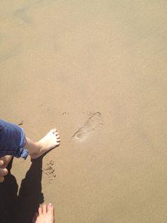 barefoot beach www.thecaliforniamom.com spring 2014