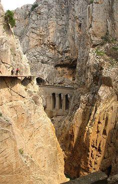 やばすぎるスペインの断崖絶壁「Caminito del Rey」06
