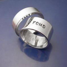 """F O M D """"Från Och Med Du"""". Förlovningsringar. 6mm bred, 2mm tjock, matterad. 10mm bred 1mm tjock, spegelblank."""