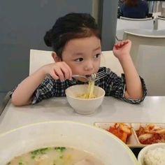 Cute Asian Babies, Korean Babies, Cute Babies, Baby Kids, Boys Food, Cute Baby Videos, Cute Stories, Cute Baby Pictures, Cute Korean