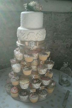 My amazing vintage cup cakes and wedding cake made by my friends!