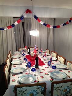 18 de septiembre chile Tiki Tiki, Table Decorations, Home Decor, Theme Parties, Celebrations, Homemade Home Decor, Decoration Home, Dinner Table Decorations, Interior Decorating