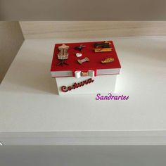 Mini caixa de costura