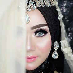 Bridal Hijab, Hijab Bride, Wedding Hijab, Wedding Beauty, Wedding Makeup, Make Up Pengantin, Muslim Beauty, Akad Nikah, Bride Makeup