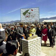 Inauguración del barrio Kennedy