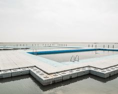 Photographer Bence Bakonyi makes a country of billion people look completely empty in these eerie photos. Minimal Photography, Video Photography, Landscape Photography, Dunhuang, Photo D'architecture, Empty Pool, Rule Of Thirds, Behance, Photographs Of People